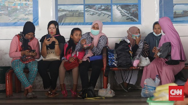 Pemerintah pusat mengimbau kepada masing-masing daerah untuk satu narasi melarang mudik baik nasional maupun lokal jelang libur Idulfitri 2021.