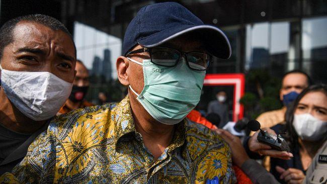 Mantan Direktur Pemeriksaan dan Penagihan Ditjen Pajak Kemenkeu, Angin Prayitno Aji ditetapkan sebagai tersangka suap pajak.