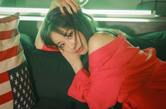 Meskipun punya aura yang dingin, namun Ji Yeon punya sifat yang ramah, loh / foto: instagram.com/jiyeon2_