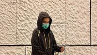 <p>Tampil lebih <em>edgy</em>, Putri Anne mencoba outfit kasual berupa <em>hoodie</em> merek Fendi dan celana <em>legging</em> hitam. Ia juga memakai <em>strappy sandals</em> yang bergaya <em>boyish</em>. Dari ketujuh gaya kasual istri Arya Saloka ini, mana favorit Bunda? (Foto: Instagram: @putriannesaloka)</p>