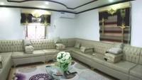 <p>Ruang keluarganya yang luas. Anak dan istri Jenderal Arab biasanya bersantai dan berkumpul di sini. (Foto: YouTube Sahabat Salam)</p>