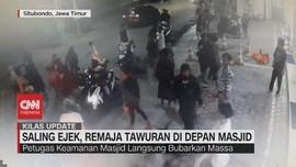 VIDEO: Saling Ejek, Remaja Tawuran Di Depan Masjid