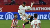 Sevilla kalah dari Athletic Bilbao dan kini tertinggal enam poin dari Atletico Madrid yang jadi pemuncak klasemen La Liga saat ini.