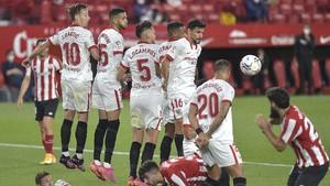 FOTO: Sevilla Tak Bisa Lari Kejar Atletico, Madrid, dan Barca