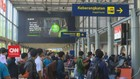 VIDEO: Stasiun Pasar Senen Dipadati Pemudik