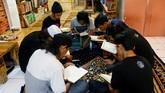 Uztaz Halim Ambiya membangun pesantren yang ditujukan khusus untuk membantu anak-anak jalanan mengubah hidupnya.