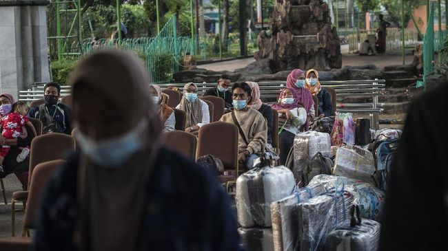 Menaker Ida mengungkapkan salah satu syarat penempatan pekerja migran Indonesia ke Taiwan adalah pertambahan kasus covid-19 di bawah 5 ribu orang per hari.