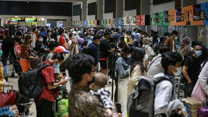 FOTO: Padat Bandara Soetta Jelang Larangan Mudik Lebaran