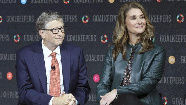 Yayasan Bill dan Melinda Gates menjual seluruh saham mereka di Apple dan Twitter sebelum pasangan miliarder itu bercerai.