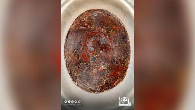 Hajar Aswad menampakkan wujud barunya usai diambil gambarnya menggunakan teknologi Fox Stack Panorama.