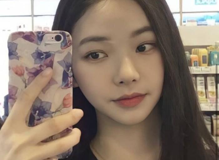 Karina punya nama asli Yoo Jimin, dan lahir pada tanggal 11 April 2000 / foto: instagram.com/aespa.karina._
