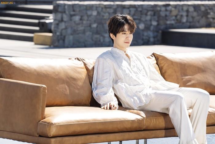 Agensinya sendiri pun mengakui Lee Dong Wook memang seperti malaikat. Pada akun Instagram resminya, KINGKONG by Starship mengatakan Lee Dong Wook adalah malaikat yang turun dari surga. (Foto: Instagram.com/kkbyss)