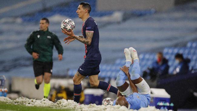 Duel Manchester City vs PSG di Liga Champions diwarnai keributan di pertengahan babak kedua yang berujung kartu merah Angel Di Maria.