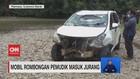 VIDEO: Mobil Pemudik Masuk Jurang, Dua Anaknya Hilang