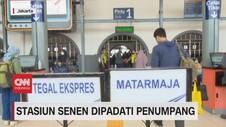 VIDEO: Stasiun Senen Dipadati Penumpang