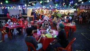 FOTO: Kembalinya Semarak Pasar Ramadan Tertua di Malaysia