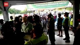 VIDEO: Penumpang Masih Berdesakan di Pelabuhan Jangkar