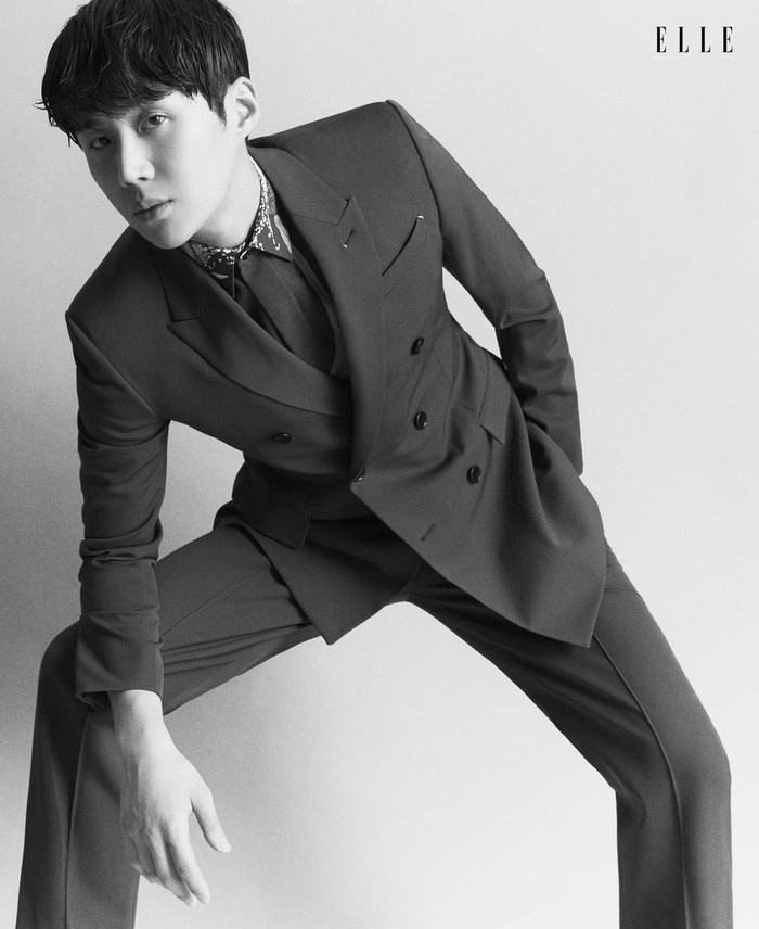 Akting adalah hal yang dicintai Kim Seon Ho. Setelah lulus kuliah ia ingin berakting tapi tidak tahu bagaimana memulainya. Setelah sempat istirahat selama 6 bulan, ia mengikuti saran juniornya untuk ikut audisi teater. (Foto: instagram.com/ellesingapore)