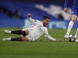 Fan Tolak Hazard Balik ke Chelsea