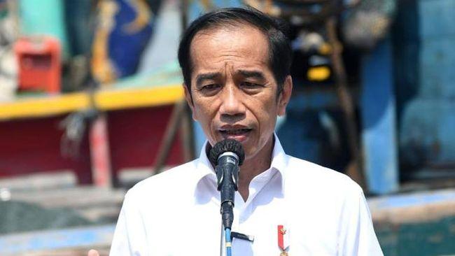 Presiden Jokowi menargetkan vaksinasi covid-19 terhadap 700 ribu orang per hari di bulan Juni guna mengejar target 181,5 juta orang.