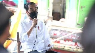 Jokowi Tinjau Vaksinasi 10 Ribu Warga di Stadion Bekasi