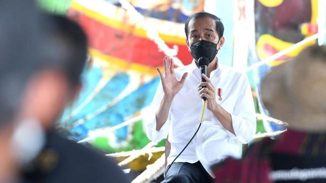 Jokowi Ulang Tahun ke-60 di Tengah Desakan Lockdown