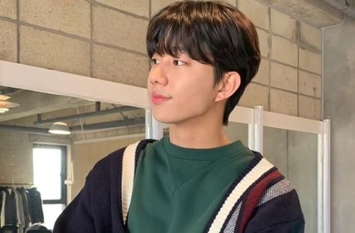 Ki Dohun, punya sosok yang kalem, muncul dalam drama Love Alarm 2, dan sempat menjadi model video klip penyanyi Indonesia, Rossa / foto: instagram.com/kidohun