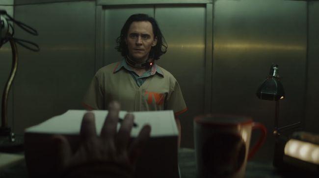 Sebuah cuplikan serial Loki menunjukkan sebuah berkas di mana jenis kelamin Loki tertulis 'fluid', bukan pria maupun wanita.
