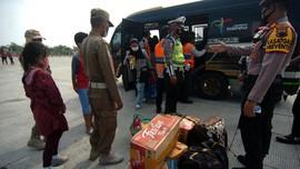 Polisi Sita 25 Mobil Travel Angkut Pemudik di Bekasi