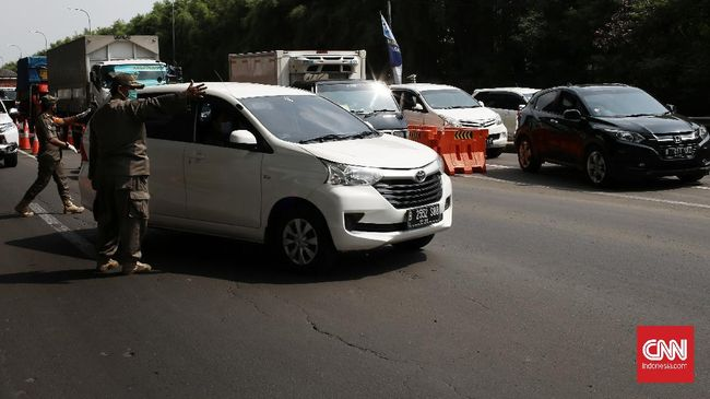 Pemerintah Kota Tangerang mengeluarkan aturan Surat Ijin Keluar Masuk (SIKM) bagi masyarakat yang hendak melakukan perjalanan selama masa larangan mudik.