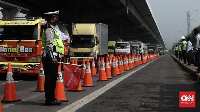 Korlantas Polri mematok panjang antrean maksimal kendaraan akibat penyekatan tak lebih dari 5 Kilometer.