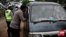 Modus Pemudik Akali Razia: Sembunyi di Truk Hingga Ambulans