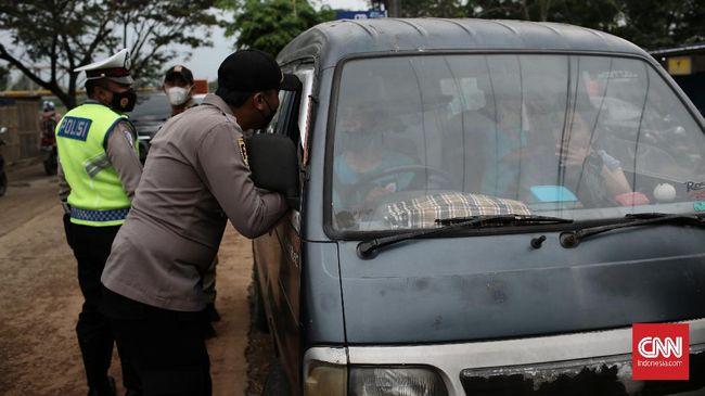 Polisi menyatakan para pemudik yang nekat menggunajan segala cara untuk mengelabui, yakni sembunyi di truk hingga ambulans.