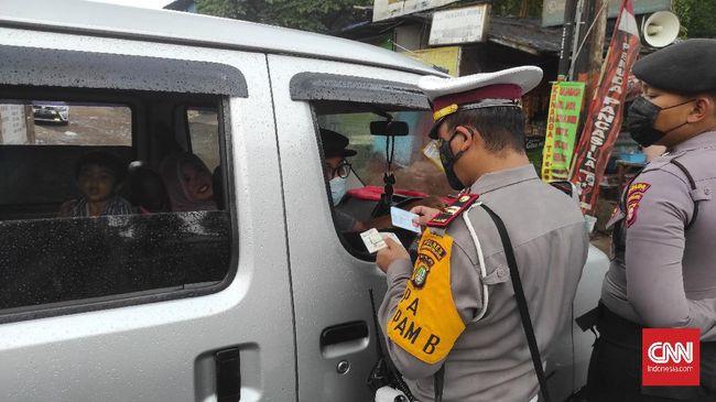 Pengendara mobil berpelat B yang memaki petugas usai diputar balik saat di Sukabumi meminta maaf.