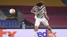 7 Fakta Cavani Perpanjang Kontrak di Man Utd