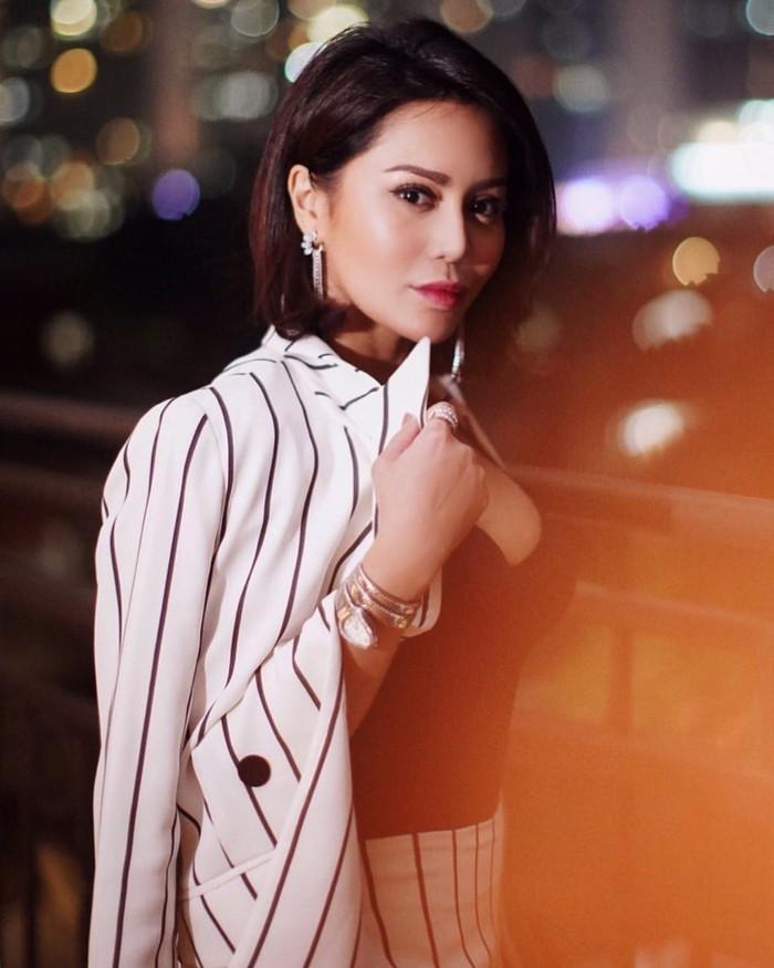 Diketahui, Vicky Zainal mengawali karier sebagai pemain sinetron. Ia juga telah membintangi berbagai judul FTV. Salah satunya adalah berjudul Aku Gagal Menikah Karena Ibuku di tahun 2017. (Foto: nstagram.com/vickyzainal24/)