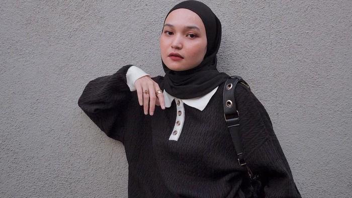 8 Tips Tampil Keren dengan Outfit Warna Hitam ala Soraya Ulfa