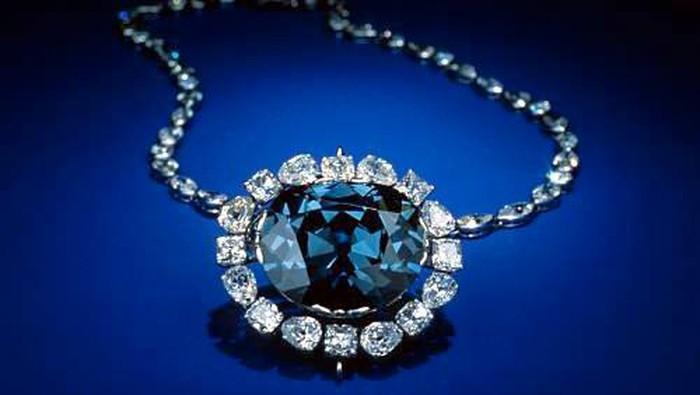 4 Perhiasan Legendaris Pembawa Kutukan