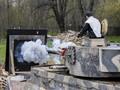 FOTO: Mantan Sniper Israel Melukis dengan Desingan Peluru