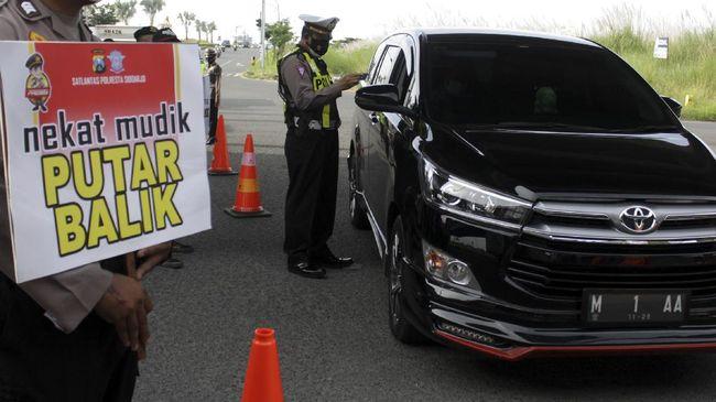 Satgas COVID-19 Cianjur mencatat hingga H-3 Lebaran sebanyak 2.400 kendaraan pemudik yang memaksakan diri melintas di wilayah hukum Cianjur.
