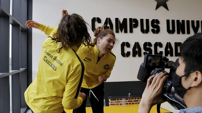 Sekolah tinggi pemeran pengganti Campus Univers Cascade (CUC), Prancis, banyak melahirkan stuntmen, terutama stuntwomen di industri film Prancis.