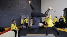 FOTO: Para Perempuan Tangguh Belajar Jadi Stuntwomen