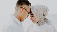 <p>Memang, definisi romantis setiap pasanganberbeda-beda. Namun, kalau dilihat dari <em>challenge</em> yang pernah mereka berikan ke netizen, Soraya Larasati dan Dony memiliki <em>quality time</em> dengan berolahraga. (Foto: Instagram @sorayalarasati)</p>