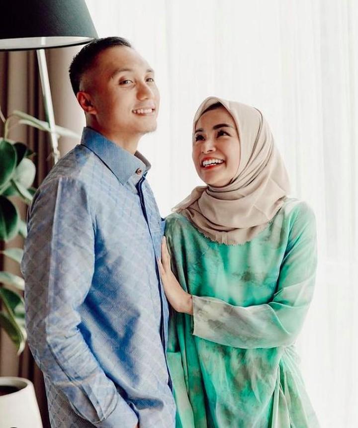 Soraya Larasati dan suami
