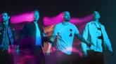 Band asal Inggris Coldplay membagikan video musik untuk lagu baru mereka berjudul Higher Power, menampilkan sosok hologram.
