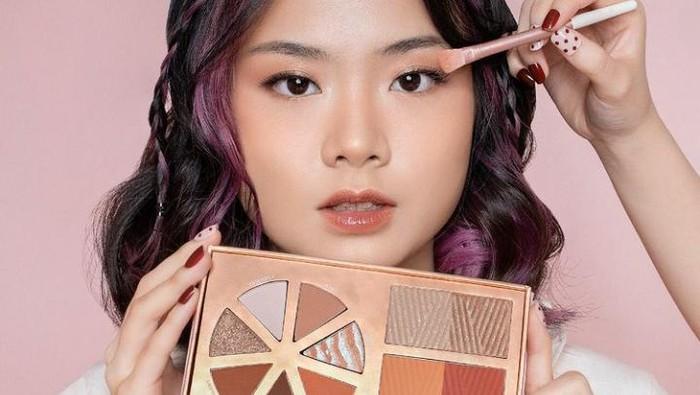 5 Rekomendasi Eyeshadow Palette Lokal untuk Makeup Natural saat Lebaran