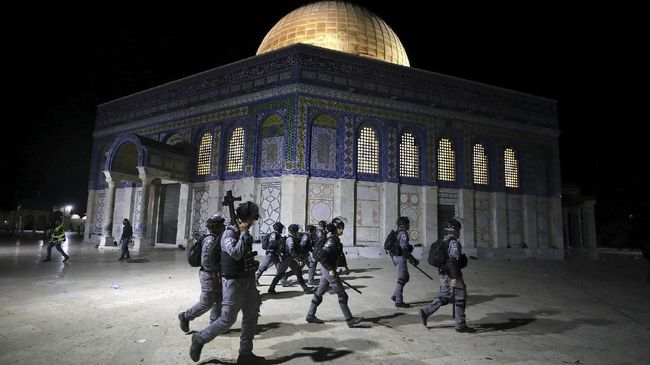Polisi Israel menembak mati wanita Palestina yang berjalan mendekat ke arah mereka sembari membawa pisau.