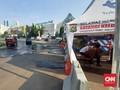 Nihil Penyekatan di GT Bekasi Barat, Mobil Travel Bebas Lewat