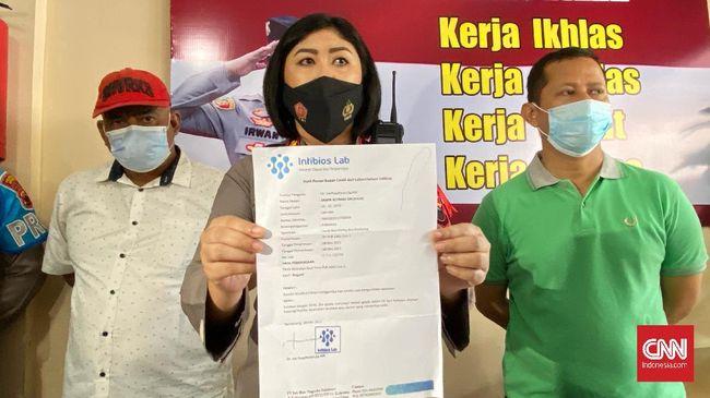 Polisi menangkap warga yang kedapatan membawa surat tes Covid-19 palsu di Kabupaten Kapuas, Kalimantan Tengah dan Semarang, Jawa Tengah.