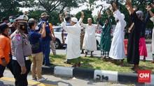 Terjaring di Suramadu, Rombongan Berjubah Putih Teriak Berdoa